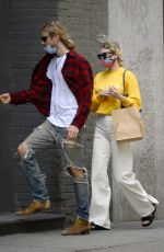 ELSA HOSK and Tom Daly Arrives at Their Apartment in New York 05/27/2019