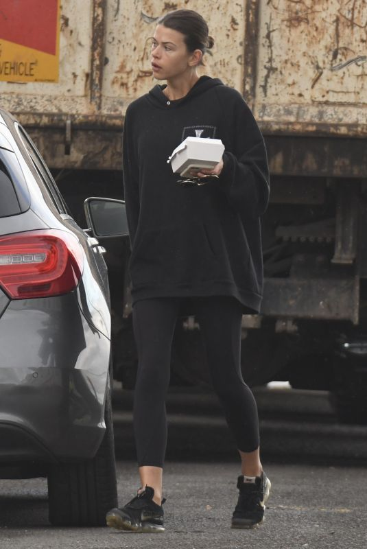 GEORGIA FOWLER Out and About in Sydney 05/14/2020