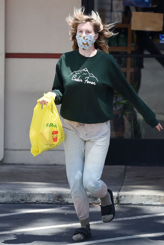 IRELAND BALDWIN Out Shopping in Los Angeles 05/19/2020