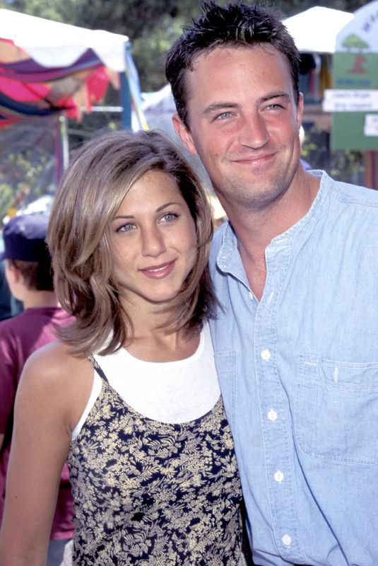 JENNIFER ANISTON and Matthew Perry at Pediatric Aids Foundation Annual Picnic 06/04/1995