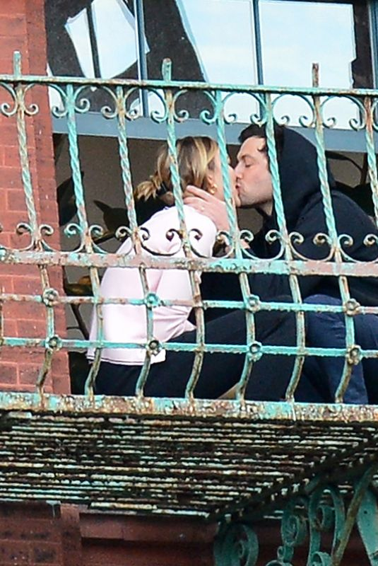 KARLIE KLOSS and Joshua Kushner Kissing on Their Balcony in New York 05/14/2020