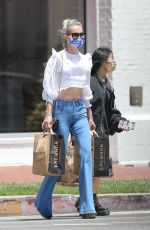 LAETICIA HALLYDAY Out Shopping in Pacific Palisades 03/25/2020