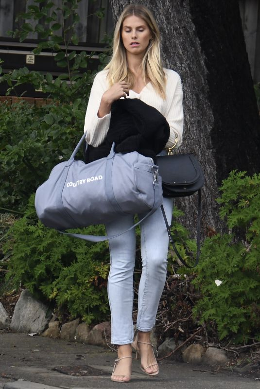 NATALIE ROSER Leaves Laura Dundovic's Apartment in Mosman 05/05/5020