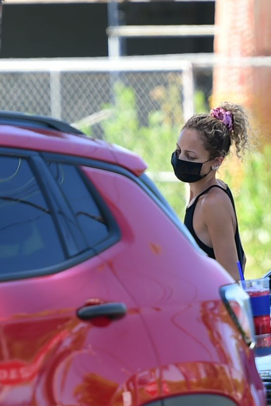 NICOLE RICHIE Wearing a Mack Out in Los Angeles 05/25/2020