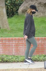 Pregnant KATHERINE CHWARZENEGGER Out and About in Santa Monica 05/28/2020