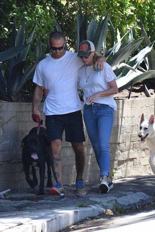 ROBIN WRIGHT and Clement Giraudet Out with Their Dog in Pacific Palisades 05/05/2020