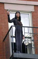 SARAH SILVERMAN Bangs the Pans for Hospital Workers in New York 05/05/2020