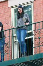 SARAH SILVERMAN Cheers for Frontline Workers from Her Fire-escape in New York 05/14/2020