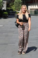 SIAN WELBY Out and About in London 05/28/2020