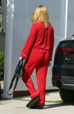 ARIEL WINTER Arrives at Her Home in Los Angeles 06/07/2020