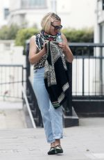 BILLIE PIPER Out and About in London 06/03/2020