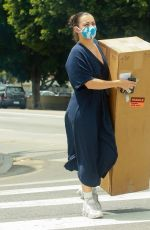 CHARLI XCX Xarries a Large Cardboard Box Out in Los Angeles 06/25/2020