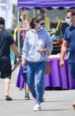 COURTENEY COX and Johnny McDaid at Farmer