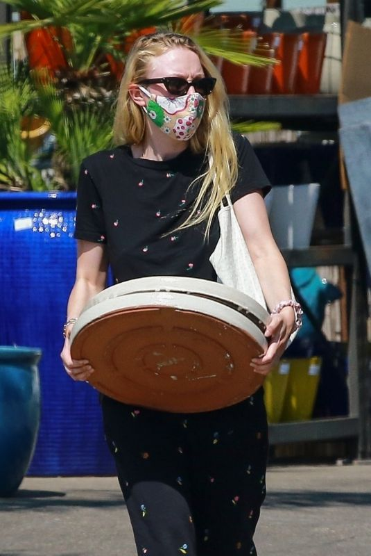 DAKOTA FANNING Shopping at a Plant Nursery in Los Angeles 06/04/2020