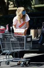 ELIZABETH OLSEN Shopping at Whole Foods in Los Angeles 06/13/2020