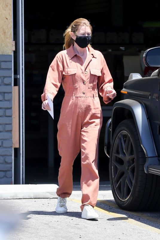 ELLEN POMPEO Out in Los Feliz 06/07/2020