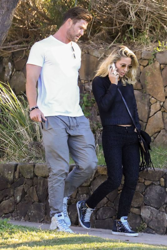 ELSA PATAKY and Chris Hemsworth Out for Lunch with Hemsworth Clan in Byron Bay 06/23/2020