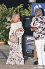 GOLDIE HAWN and Kurt Russel Out for Dinner in Malibu 06/10/2020
