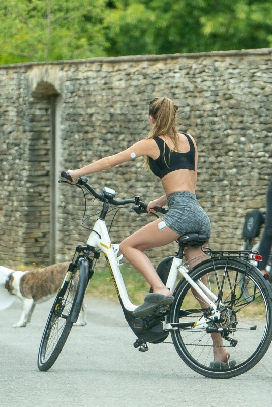 KATE and LILA GRACE MOSS Out Riding Bikes in Cotswold 06/16/2020