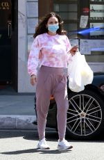 KATHARINE MCPHEE Picking Up Takeout in Beverly Hills 06/21/2020