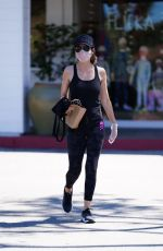 LISA RINNA Shopping at Beverly Glen in Beverly Hills 06/09/2020