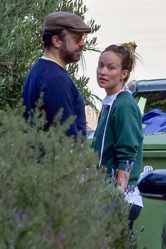 OLIVIA WILDE and Jason Sudeikis Out in Los Angeles 06/24/2020
