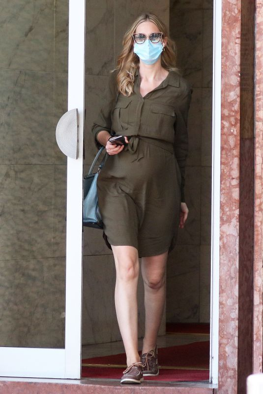 Pregnant EVA RICCOBONO Out Shopping in Milano 06/01/2020