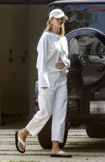 ROSIE HUNTINGTON-WHITELEY Arrives at Her Home in Beverly Hills 06/04/2020