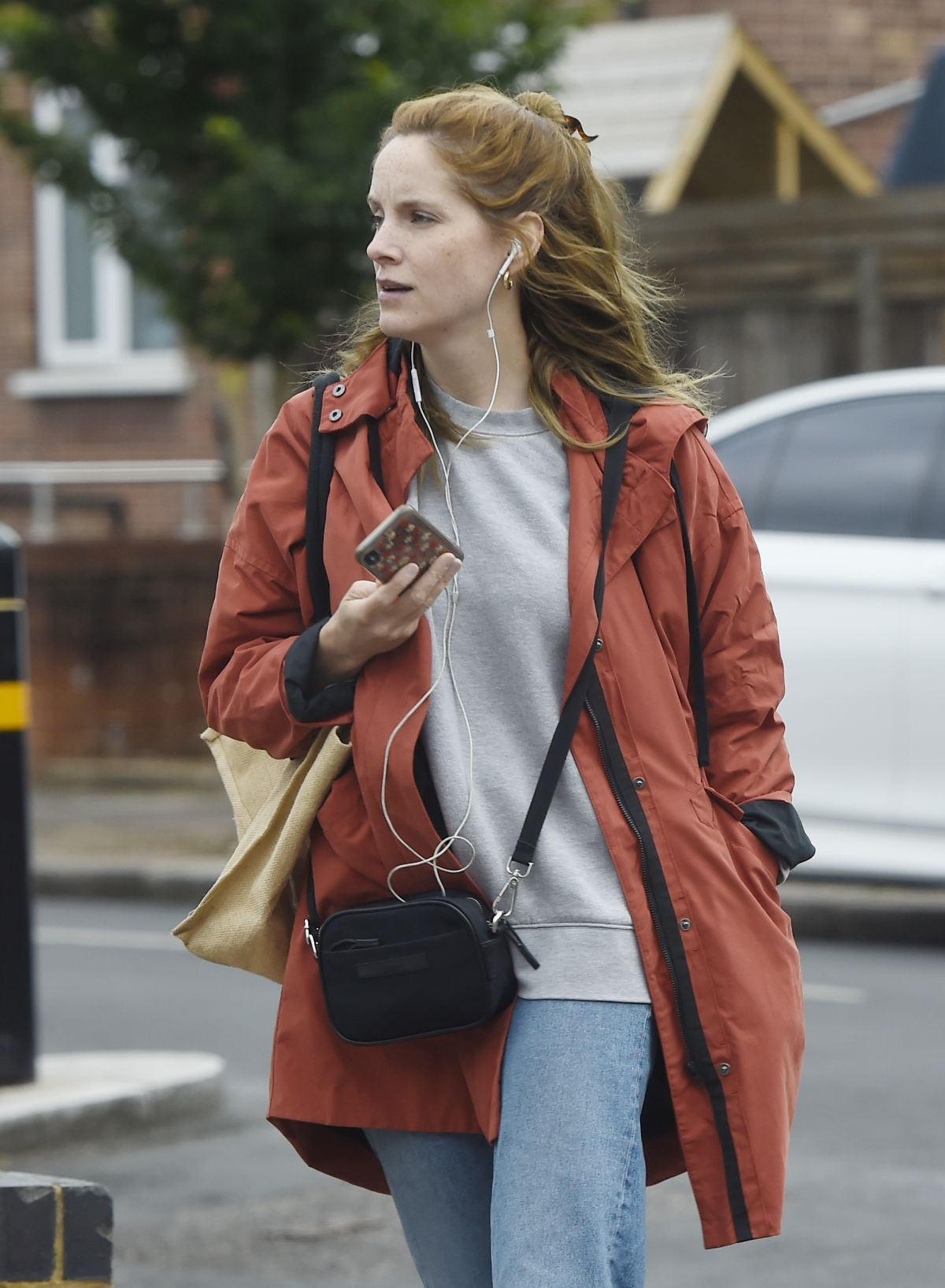 SOPHIE RUNDLE Out Shopping in London 06/08/2020 - HawtCelebs