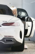 TAMMY HEMBROW Out on the Gold Coast 06/01/2020