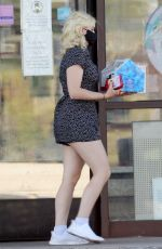ARIEL WINTER at Baskin Robbins in Los Angeles 07/08/2020