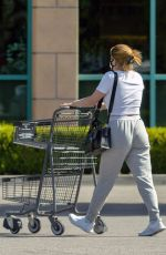 ARIEL WINTER Picking Up Her Dogs from Veterinarian and Out Shopping in Los Angeles 06/30/2020