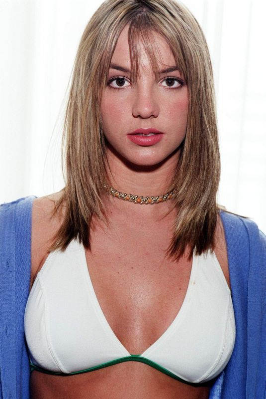 BRITNEY SPEARS on the Set of a Photoshoot, 1999