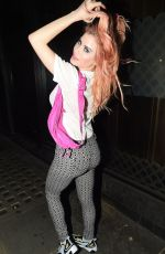 CARLA HOWE Shows New Pink Hair Out in London 07/08/2020