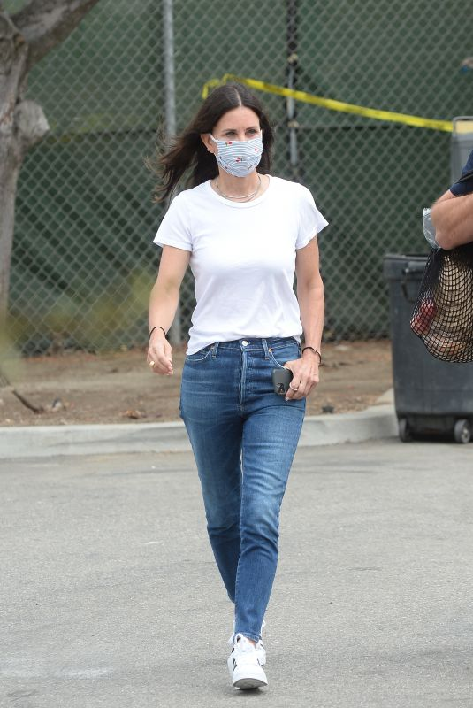 COURTENEY COX Out at Farmers Market in Malibu 07/26/2020