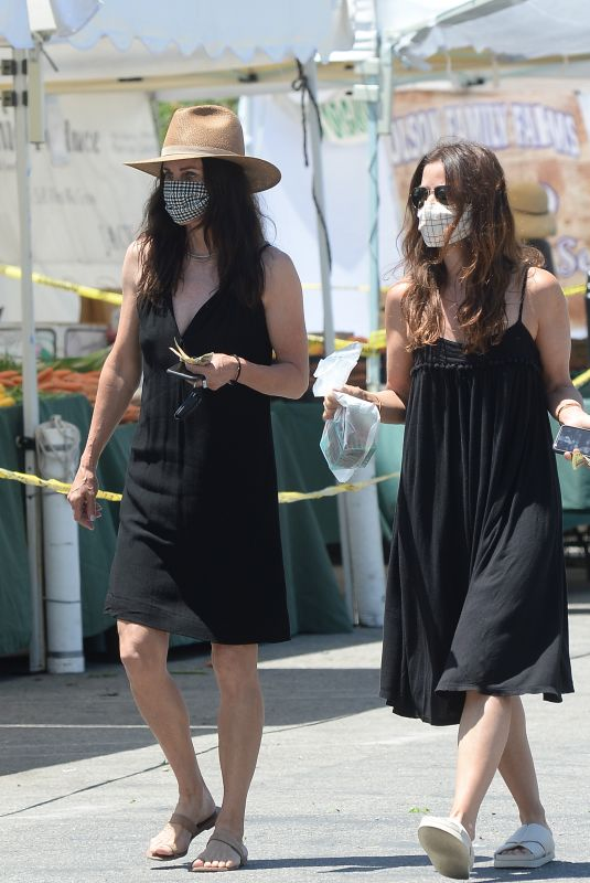 COURTENEY COX Shopping at Farmers Market in Los Angeles 07/12/2020