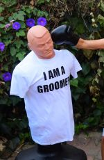 COURTNEY STODDEN Takes Shots at Her Ex Punching Shirt in Beverly Hills 07/07/2020