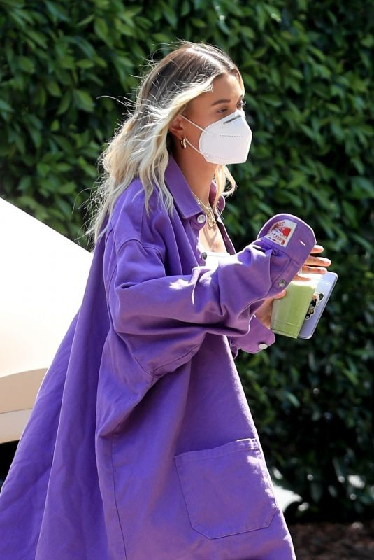 HAILEY BIEBER Arrives at Hollywood Roosevelt in Los Angeles 07/20/2020