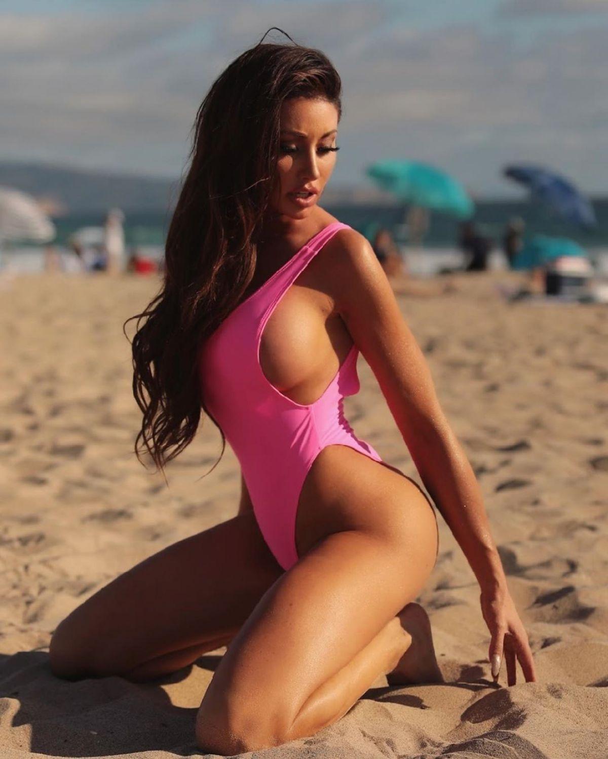 Holly Sonders Nude Leaks 2020 - Fapopedia
