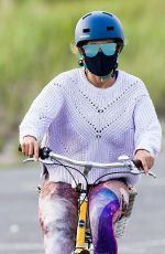 JENNIFER LOPEZ on Her Daily Exercise Routine in The Hamptons 07/25/2020