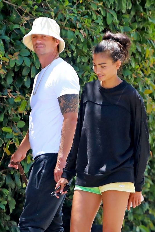KELLY GALE and Joel Kinnaman Out in Venice Beach 07/15/2020