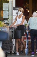 KIMBERLY STEWART Shopping at Bristol Farms in Beverly Hills 07/13/2020