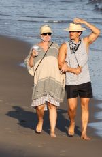 kPregnant KATY PERRY and Orlando Bloom Out on the Beach in Santa Monica 07/05/2020
