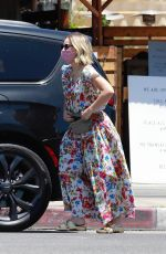 KRISTEN BELL Picking Up Takout in Los Feliz 07/04/2020