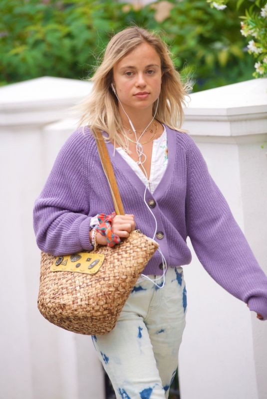 Lady AMELIA WINDSOR Out and About in London 07/15/2020