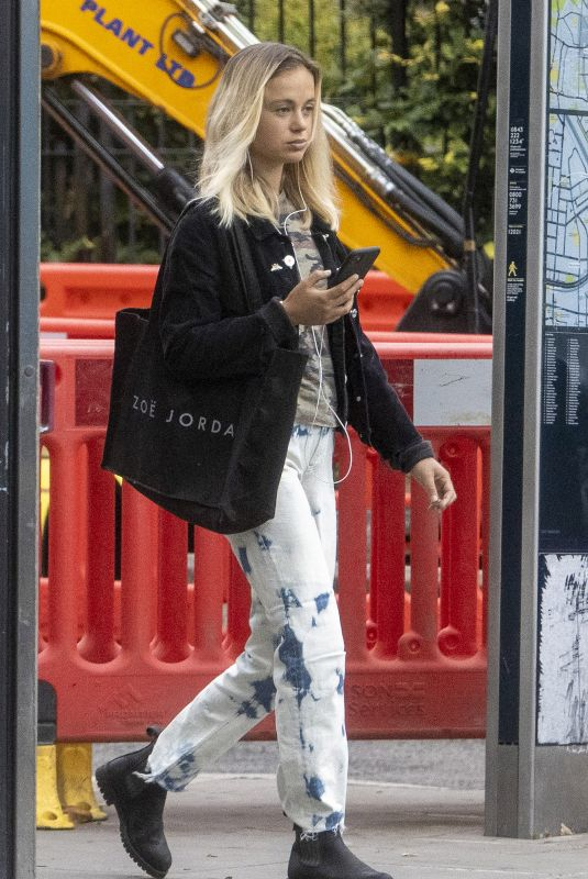 LADY AMELIA WINDSOUR Out and About in Notting Hill 0630/2020