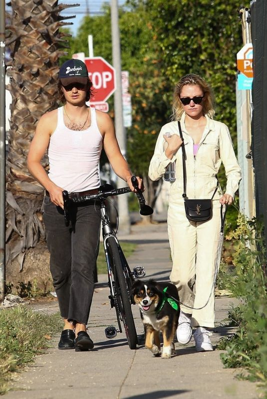 MAIKA MONROE and Joe Keery Out with Their Dog in West Hollywood 05/22/2020