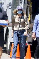 MICHELLE PFEIFFER Moves into Her New House in Los Angeles 06/30/2020