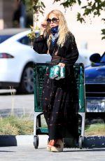 RACHEL ZOE Shopping at Whole Foods in Malibu 07/08/2020
