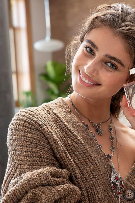 TAYLOR HILL for Ralph Lauren Romance Fragrance 2020 Campaign